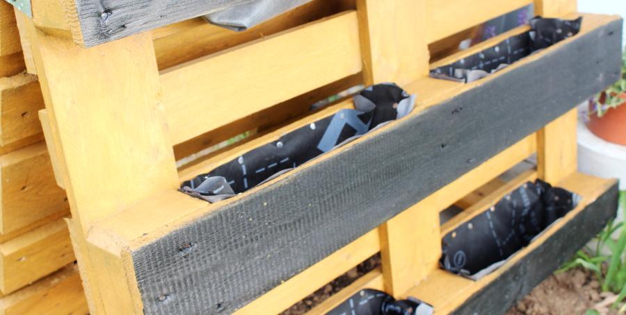 Przycinanie membrany dachowej